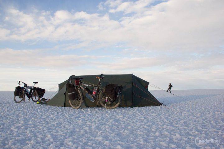Pedalando o Salar de Uyuni
