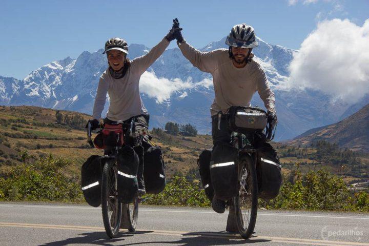 Mais uma subida conquistada, 2 dias e meio pra chegar ao topo. Serras do Perú, é nóis a 4 mil metros sobre o nível do mar outra vez!