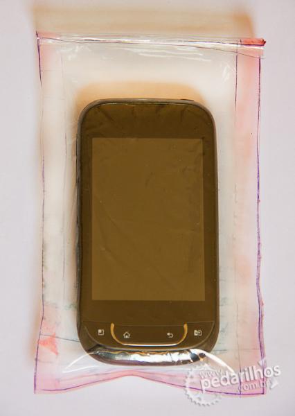 Saco Estanque para Eletrônicos e Mapas e Celulares : Case estanque feito em casa em 10 minutos. Protege os eletrônicos de chuva, umidade e sem perder a sensibilidade do Touch Screen.