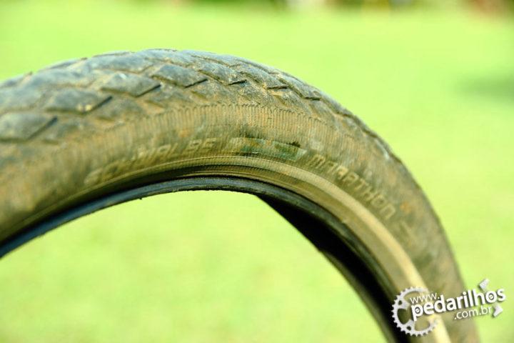 Recomendação Bicicleta Cicloturismo: Pneu detalhe de desgaste. Schwalbe Marathon Plus Original