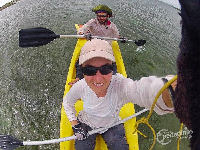 O Álvaro nos emprestou seu caiaque e fomos fazer um pouco de músculo nesses braços molengas na Lagoa Redonda.